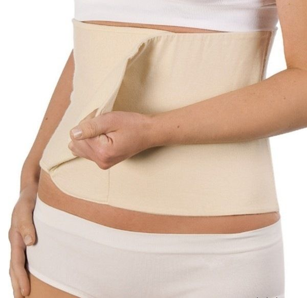 Belly Binder - Stahovací pás po porodu tělový S/M Carriwell