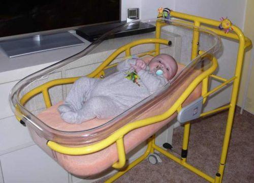 Novorozenecká postýlka