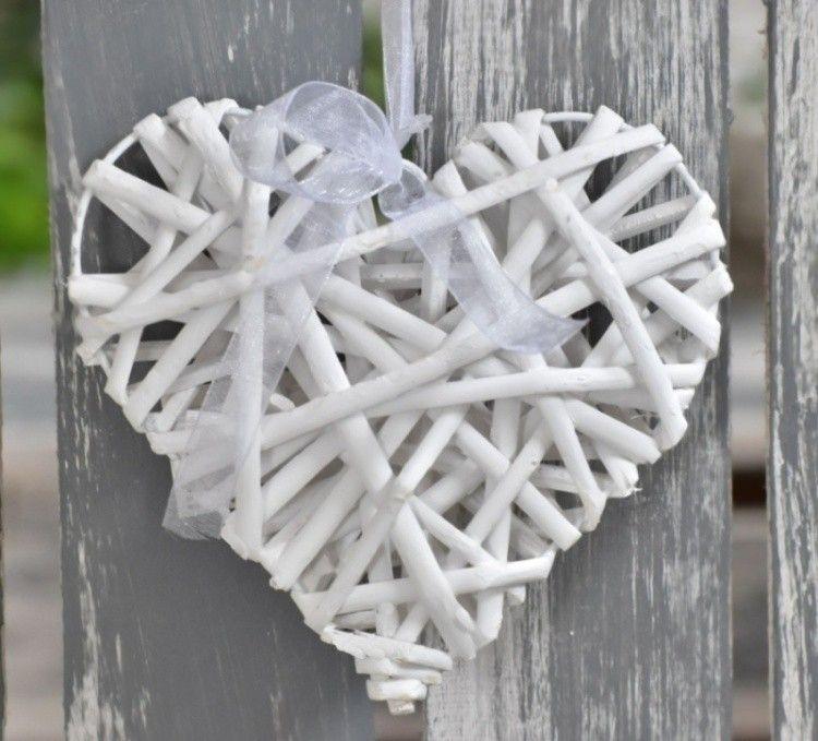 Ratanové srdce bílé 10cm Maja