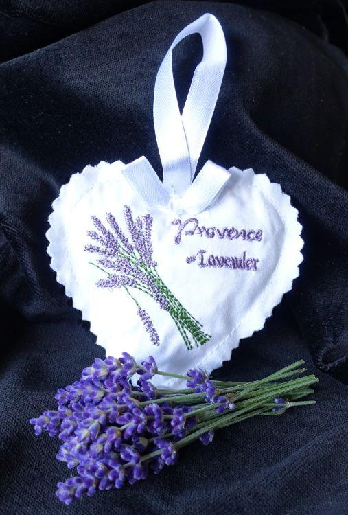 Polštářek srdíčko levandule s výšivkou Provence Levender