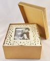 Porcelánový stolní fotorámeček Sagrado - slovoná kost 16 x 20cm